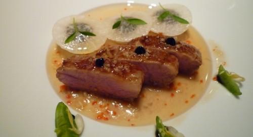 """Garimori Iberico Schwein """"Secreto"""" süß/würzig - schwarzer Knoblauch, geräucherter Rettich & Misosud"""