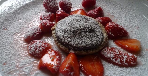 Schokoladentörtchen mit Erdbeeren