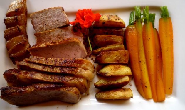 Kotelette, Rosmarinkartoffeln, Vanillekarotten