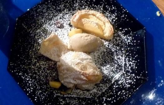 Dessert 2 - Apfelstrudel - Apfeltarte - Zimteis