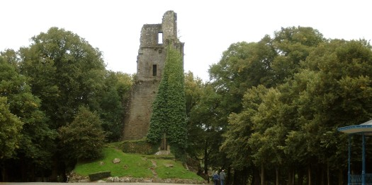Bergfried- Le Donjon