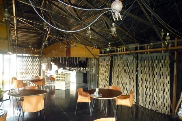 08 Blick in Restaurant und Küche