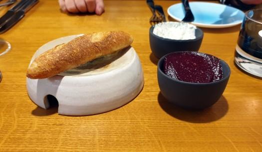 01 Brot Quark Rote Bete